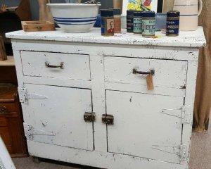 Primitve Antique Furniture Kitchen Cabinet